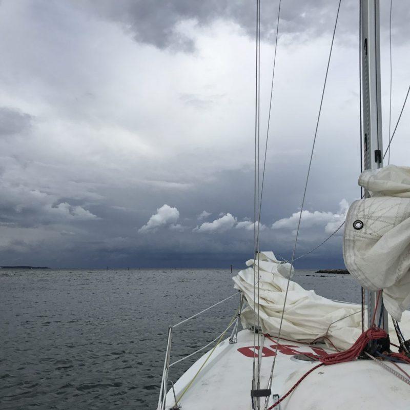 segeln in den Regen